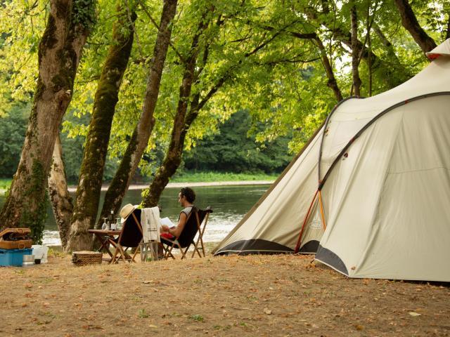 Camping Grande Tente Creysse ©malikaturin 00013