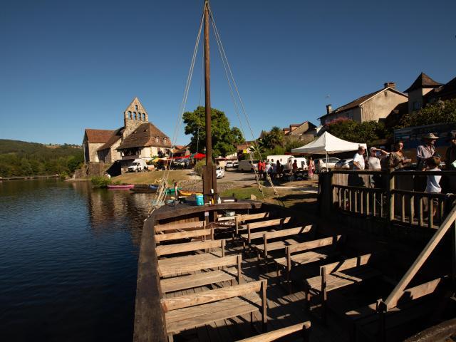 Gabarre Riviere Dordogne Beaulieu©malikaturin 00341
