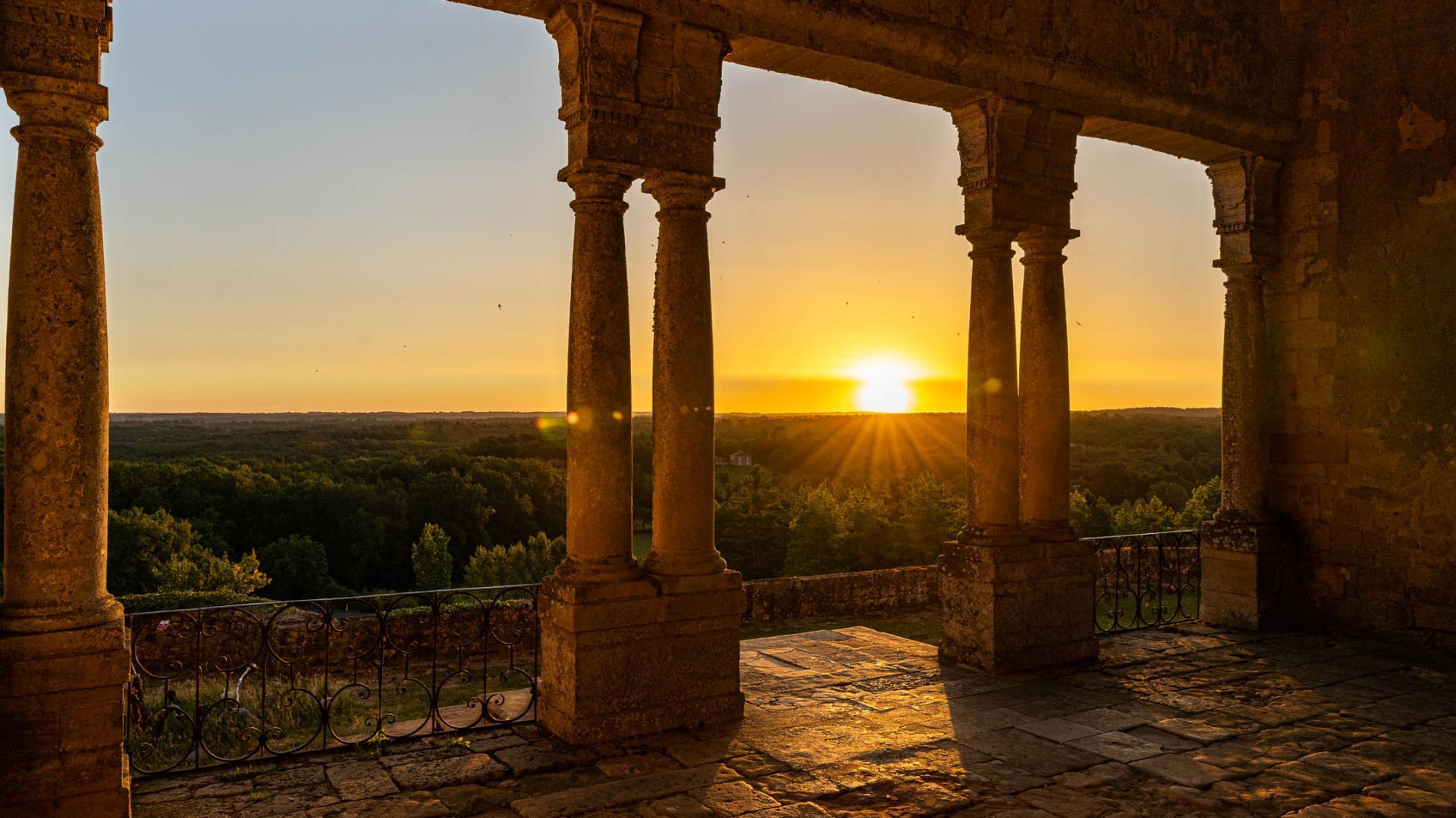 CHâteau de Biron panoram au coucher de soleil